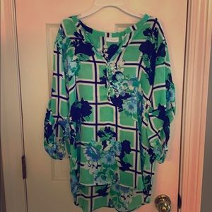 New York & Company stretch top in mint condition